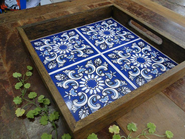 Bandeja de azulejos