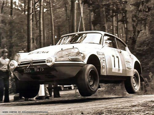 Citroen DS 21 I think, front wheel drive and hydropneumatic suspension (think air over oil), automatic lowering and raising. Jack? We don't need no stinking jack. Raise the car to max, stick a steel piece under it, lower the wheels. Viola, wheels are in the air, great.