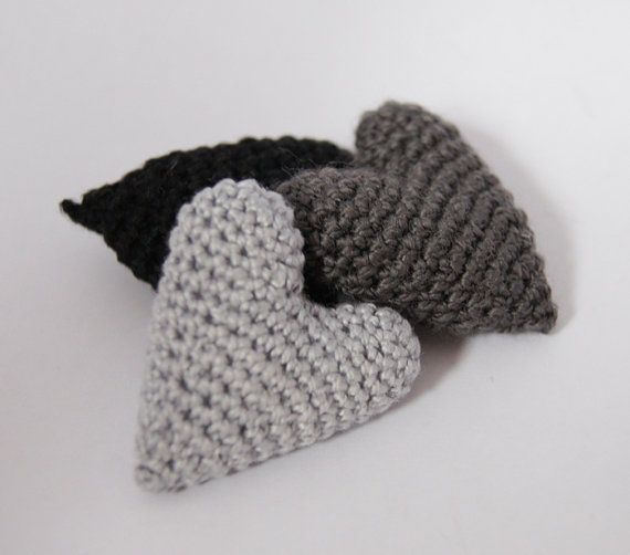 Set of 3 Crocheted Hearts in black and grey by maricatimonsina