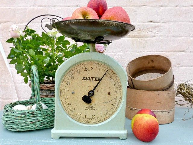 Vintage 1930s Salter Scales No 34, kitchen weighing scales, vintage green, iron bowl, all original kitchenalia by NansCottageVintage on Etsy