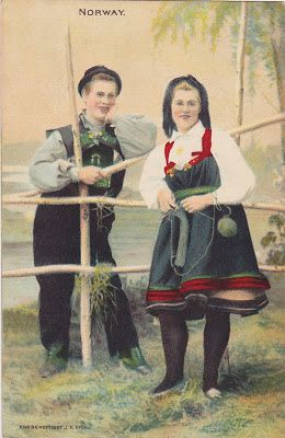 Those Setesdal gals didn't miss a moment to knit, even when flirting over the fence.