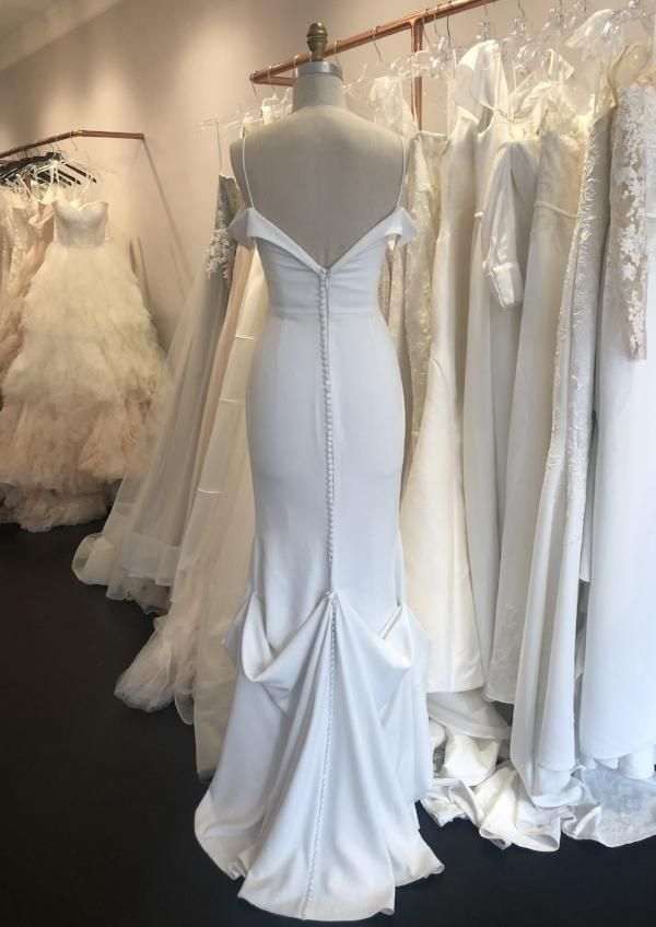 Wedding Dress Bustles In 2020 Wedding Dress Bustle Wedding Gown Bustle Wedding Dress Types