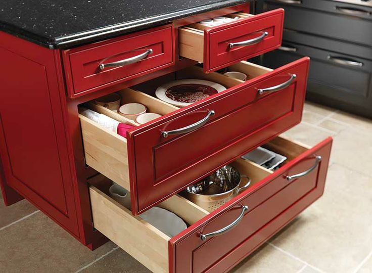 wow? factor to Cardinal color finish in kitchen cabinets