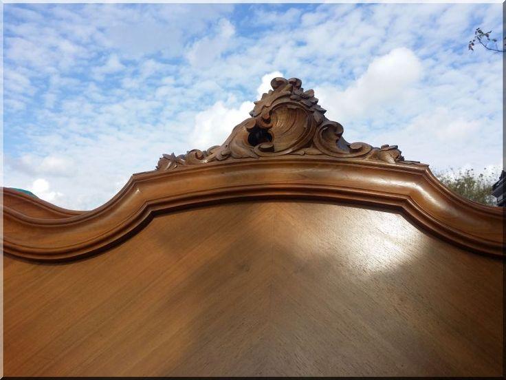 Rokokó stílusú bútor, restaurált antik bútor