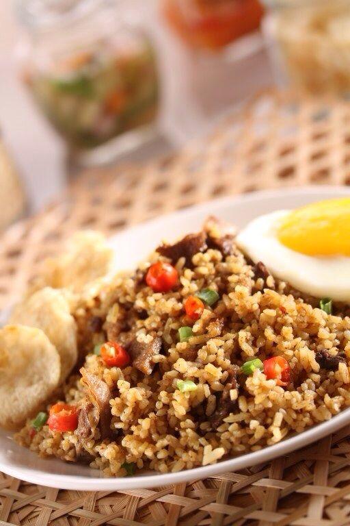 Nasi Goreng Kambing 9 Rempah.  Nasi goreng kambing yang dibuat dengan 9 rempah-rempah. Wangi rempah membuat rasa nasi goreng ini jadi sangat unik dan nikmat.