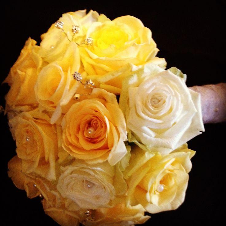 Cream and peach roses bridal bouquet