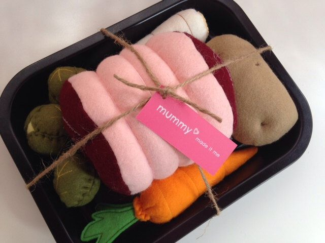 Pretend Play Felt Food Roast Dinner Set with Vegetables & Roasting Tin by mummymadeitme on Etsy https://www.etsy.com/listing/199393648/pretend-play-felt-food-roast-dinner-set