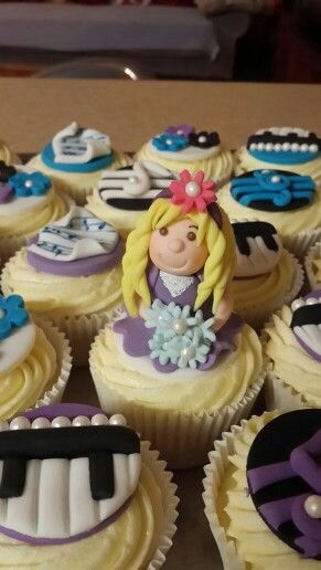 Music Teacher cupcakes