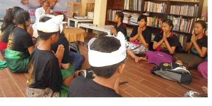 Tak Ada Tempat Belajar Agama Hindu di Pelataran Rumah - KOMPAS.com