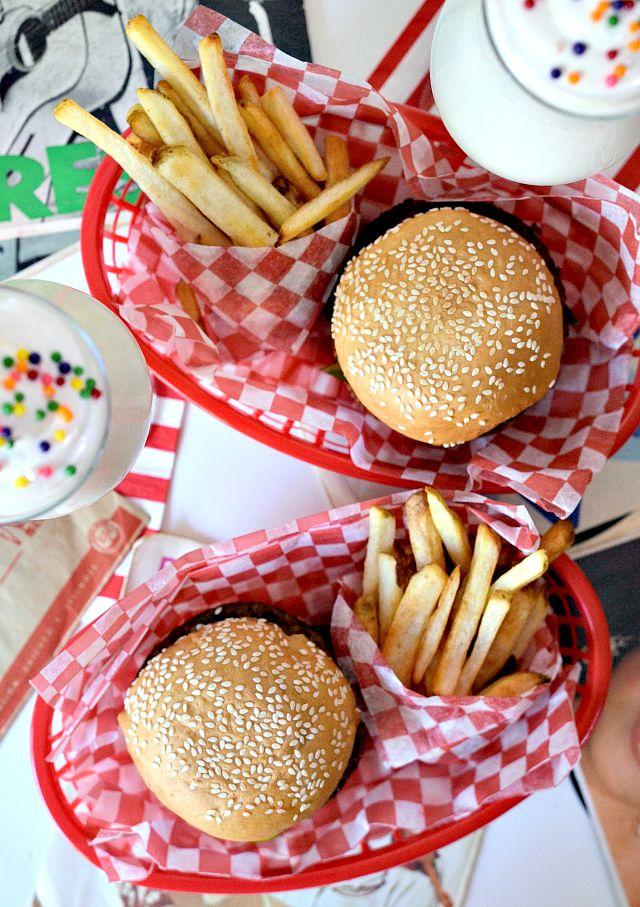 House Vegan: Vegan Malt Shop Burgers and Shakes | Vegan MoFo 2015