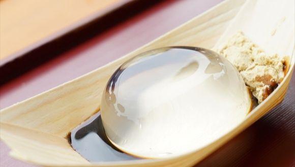 В Яманаси продают Торт-Капля Воды, который исчезает за 30 минут!