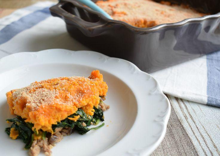 Ovenschotel met zoete aardappel, spinazie en gehakt - Lekker Tafelen
