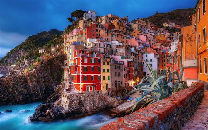 Télécharger fonds d'écran Almafi, soirée, coucher du soleil, les lumières de la ville, Mer Méditerranée, l'Italie