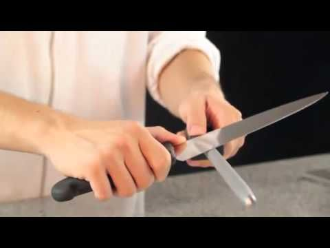 ▶ Como afilar un cuchillo con chaira, Videotutorial. - YouTube