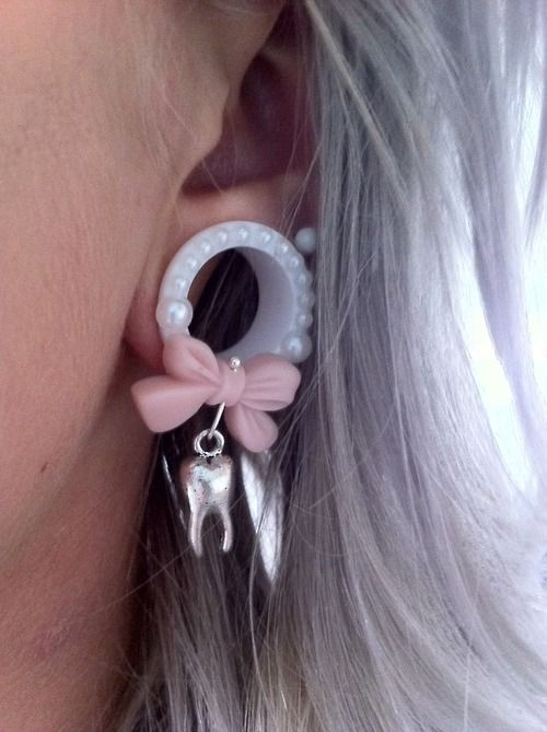 I dislike gauges most of the time (mostly really big ones) but these are adorable.