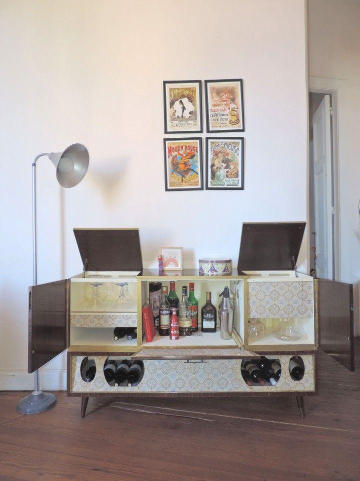 Antiguo mueble combinado reciclado para bodega, bar, mueble tv u otros usos. Gran capacidad de guardado. Muy original. Medidas: 146x84.5x39