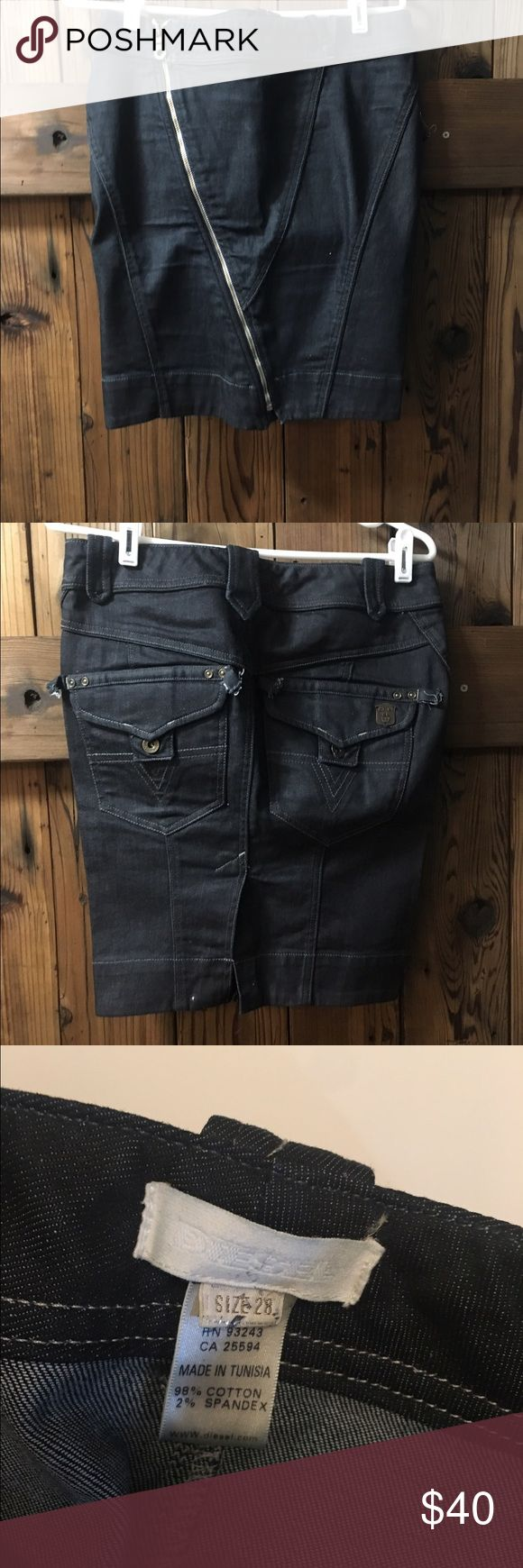 Diesel denial zipper skirt size 28 Lots of detail with the zipper and pockets on this diesel skirt! Diesel Skirts Pencil