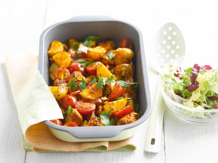 Aardappelschotel met tomaten en kip