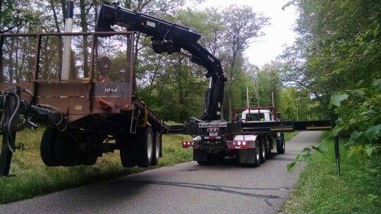 Hiab 477 knuckle boom truck