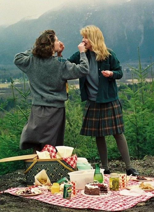 Donna and Laura, Twin Peaks picnic