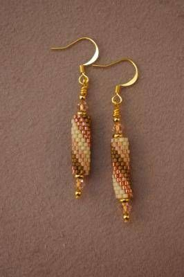 How To - Spiral Peyote Tube Earrings (found here: http://beadwork.about.com/od/beadedearrings/tp/Spiral-Peyote-Tube-Earrings-Free-Beading-Pattern.htm)