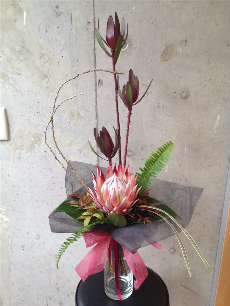 Hand tied formal linear