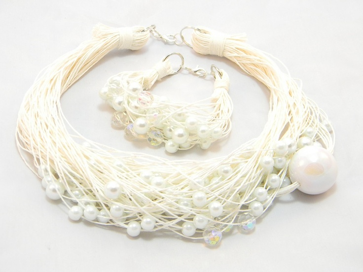 white wedding necklace and bracelet<3