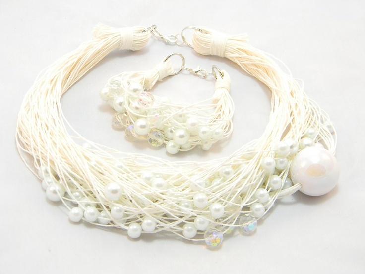 white wedding necklace and bracelet<3