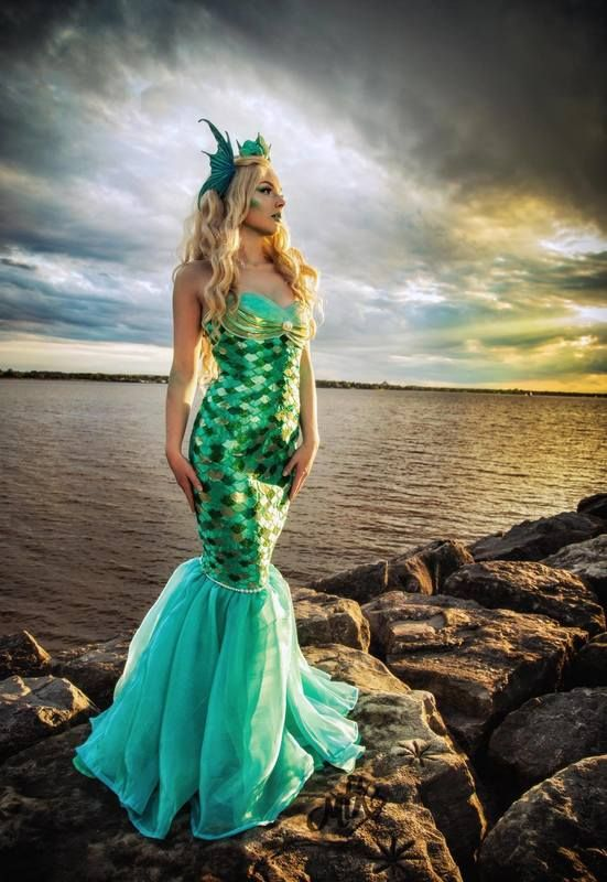 I'm so excited to be sharing this interview with Peekaboo Cosplay. She's a Canadian cosplayer who has extreme craftsmanship skills that blow my mind with intense details and design. Read the full... Mermaid, stunning, artist, peekaboo cosplay, diy costume, article, feature friday