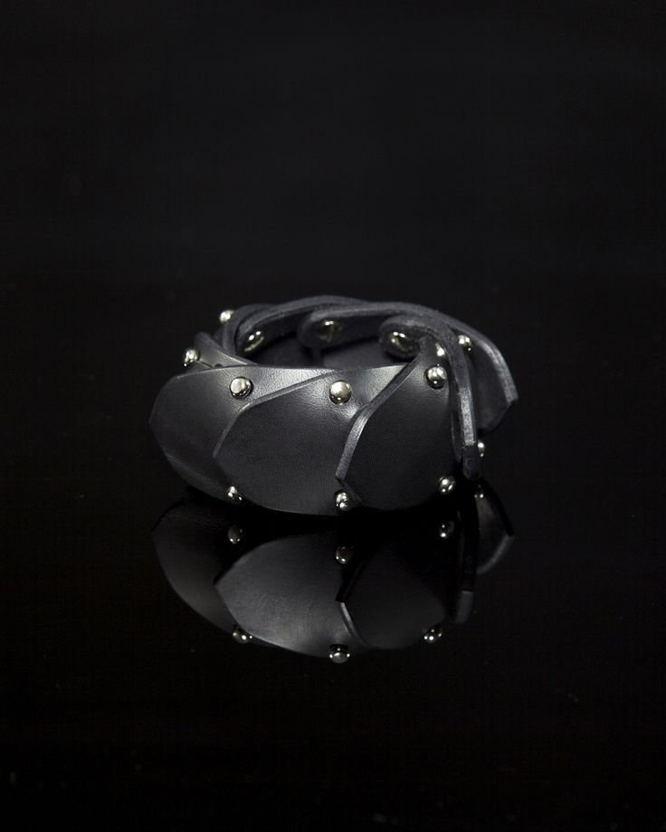 FLEET ILYA JOINTED CUFF   #fleetilya #cuff #restraint #harness #fetish #leather cuff