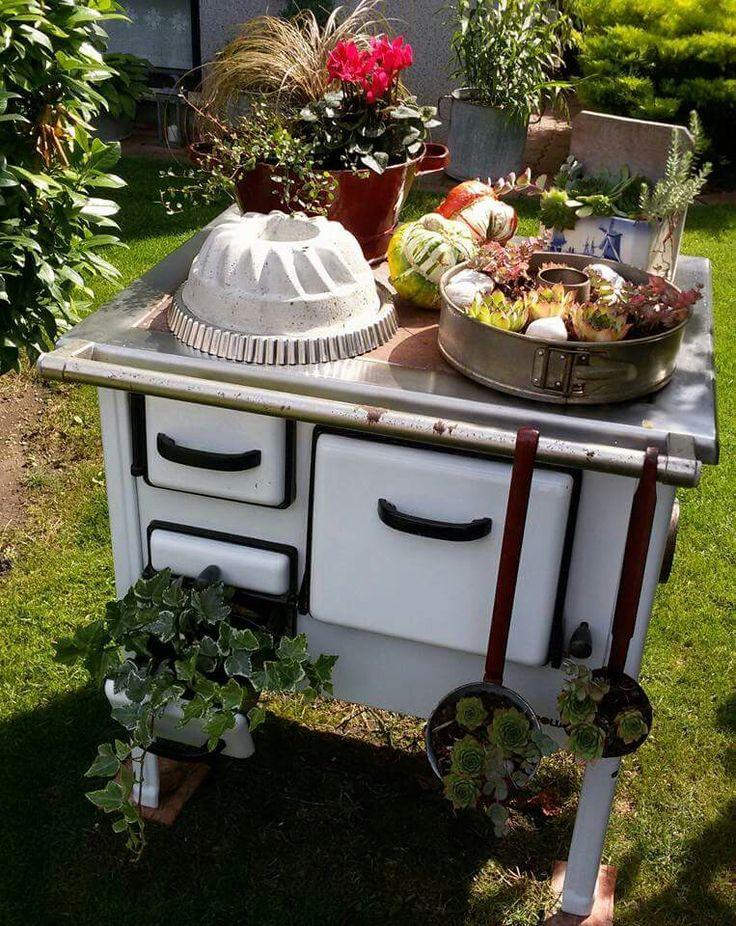 Wunderschn ausgefallene Gartendeko mit altem Ofen Quelle Pinterestuser  Gartenglck  Shabby