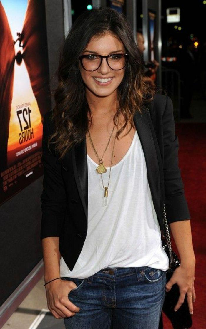Hipster look avec lunettes pour femme