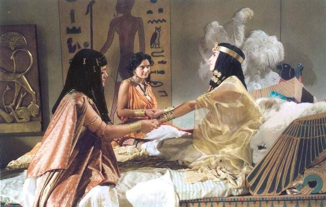 PARTAGE OF CIVILIZATION OF ANCIENT EGYPT........ON FACEBOOK.......The death of Cleopatra is shrouded with mystery and romanceShe killed herself by allowing a poisonous cobra to bite her.With Cleopatra's death, Octavian took control of Egypt and it became part of the Roman Empire. Her death brought an end to the Ptolemy dynasty and the Egyptian Empire. She was the last Pharaoh of Egypt........