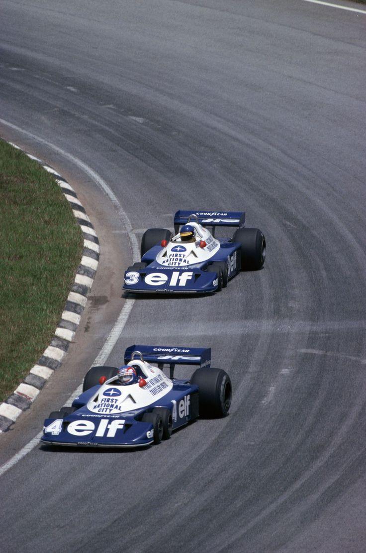 """Photo """"Patrick Depailler et Ronnie Peterson au Grand Prix du Brésil en 1977"""""""