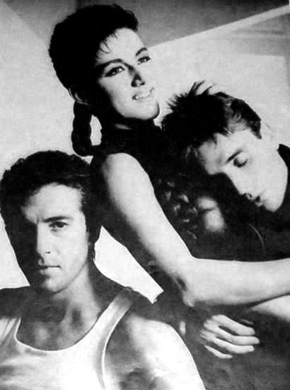 La Movida Madrileña en los 80's: ellos son Mecano una de las bandas más famosas que ha habido en España.