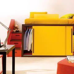 Cool Hochbett mit Kleiderschrank von dearkids moderne Kinderzimmer von MOBIMIO R ume f r Kinder