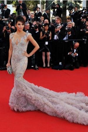 eva longoria en robe marchesa et mise en beauté par l'oréal le 16 mai 2012 pour