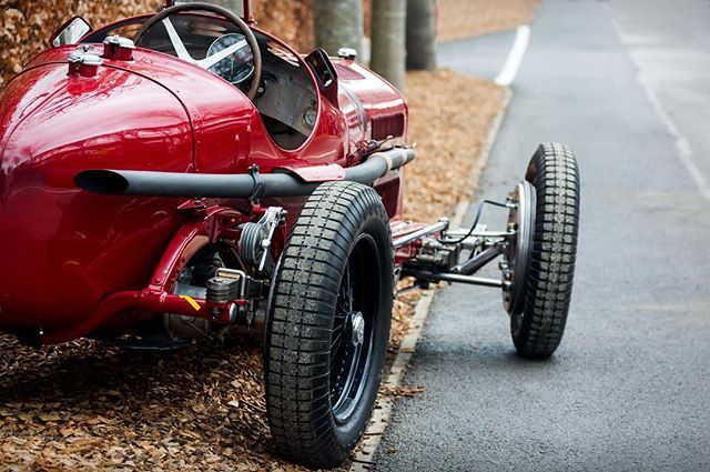 WEBSTA @ motorsportinpictures - Monza. Christopher Mann's 1931 Alfa Romeo 8C 2600 at the #Goodwood #75MM''#daverook #motorsportinpictures #motorsport #motorsportphotography #classicdriver #classiccars #drivetastefully #driveclassics #joyofmachine #petrolhead #petrolicious #pistonheads #carvintage #amazingcars247 #sigmaart #nikond7100 #alfaromeo #8c #monza #classicalfa #grandprix #monoposto #rosso #italiancars #italianstyle #classicracing #vintageracing #goodwoodmembersmeeting