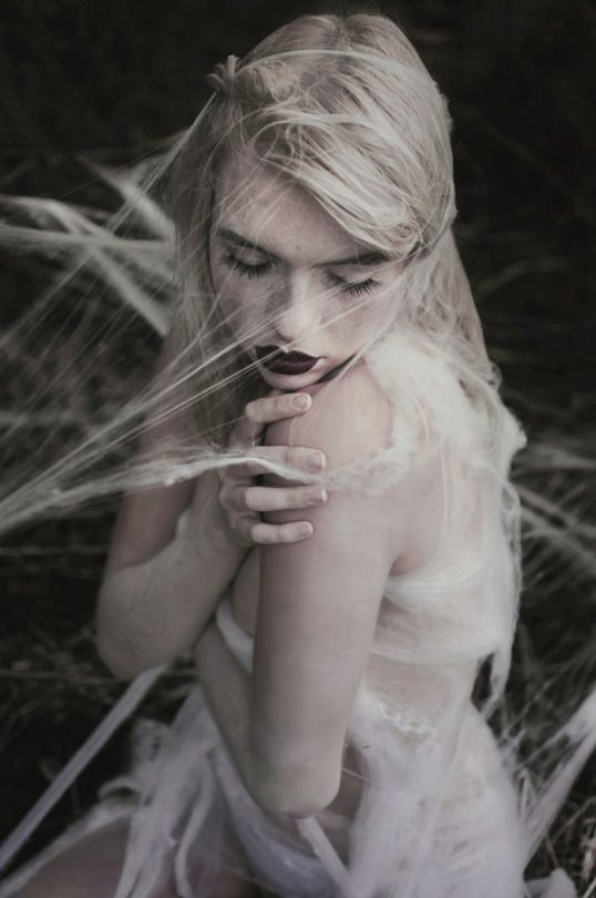 Photographer: Paulina Siwiec Makeup: Dorota Swat Model: Aleksandra Helena Matuszewska