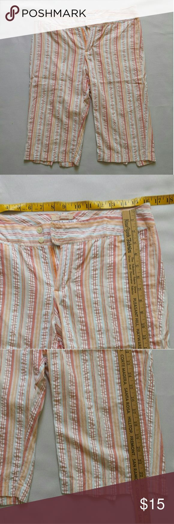 Columbia Sportswear striped flat front shorts Columbia Sportswear river resort bermuda shorts. Button closure. White with orange/red striped design. Size 8. 100%cotton. Columbia Shorts Bermudas