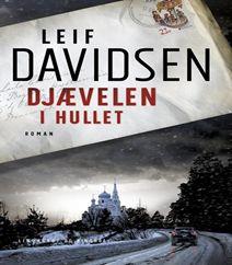 Djævelen i hullet er en bestseller af Leif Davidsen, som omhandler Arnborg, der ender som russisk efterretningsagent med familie i Danmark, et job og en situation, der kræver mange kompetencer, klik på forsidebilledet og læs mere om bogen og se også trailerne på bøger.org.