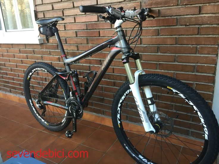 "Vendo Bicicleta MTB doble suspensión KTM LYCAN SE 1 26"" Cuadro De Aluminio Hidroformado 120mm Talla M. Horquilla Suntour Axon S-RL 120mm Amortiguador Fox Float RP2 Cambio, desviador, frenos , pedales y bielas SHIMANO XT Llantas Mavic Crossride Tubeless Cubiertas Specialized The Captain Control (Tubeless) En buen estado ."