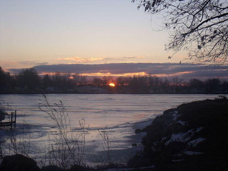 File:Buckeye Lake sunset.JPG