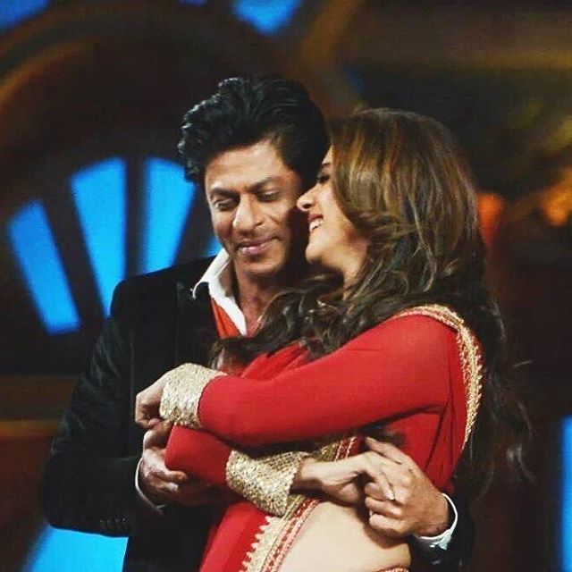 Interviewer: What kind of acting you like the most? SRK: Romancing her (Kajol) . ❤️✨ #Srkajol