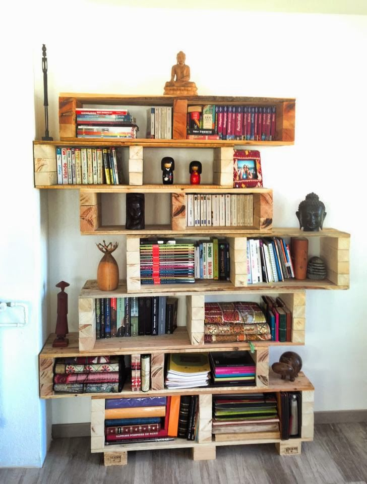 1000 ideas about pallet bookshelves on pinterest for Easy diy shelves