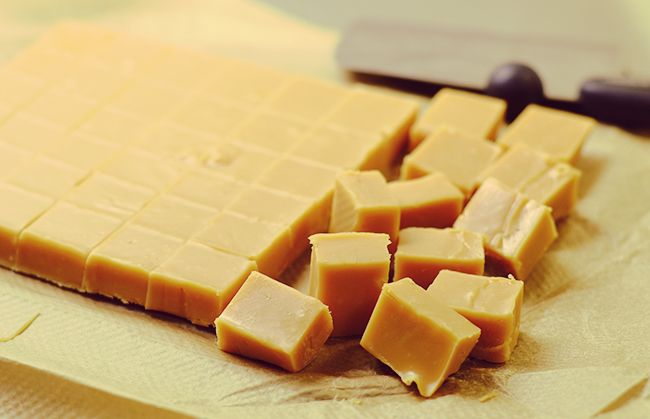 White Chocolate Fudge  - www.fan-freakin-tastic.com