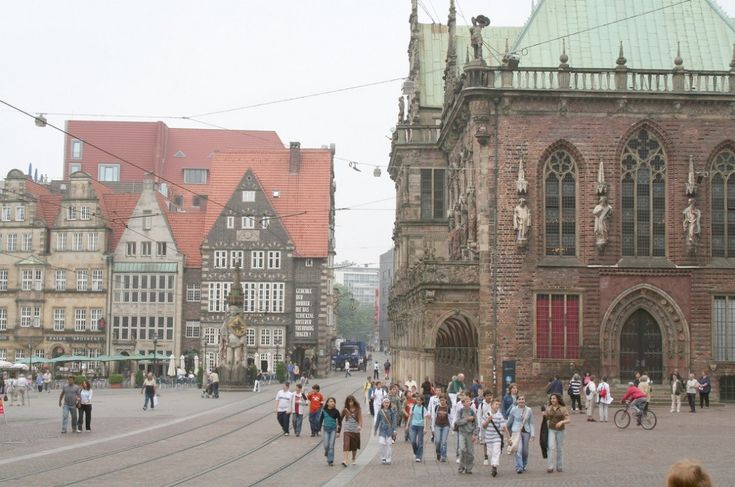"willkommen-in-germany:  ""Bremen, Northern Germany, population: 557.464, 25% of the population are from other countries, mostly European ones, including (in this order) Turkey, Poland, Bulgaria, Serbia/Montenegro, Russia, Italy, Spain, France, Ukraine,..."