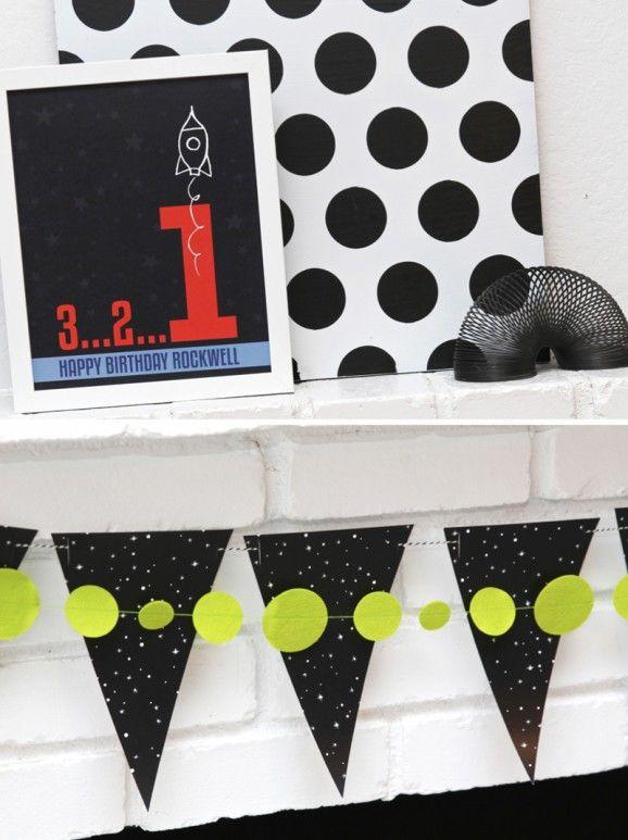 This Rocket Man First Birthday Party is so cute for a Boy - free printables via @PagingSupermom.com