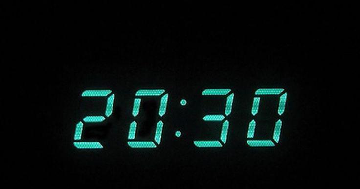 Cómo ajustar la  hora en un radio reloj Sony Dream Machine . El radio reloj Sony Dream Machine (Máquina de sueños de Sony) integra una radio, un reloj digital y una alarma, que puede utilizar la radio o el timbre incorporado. Son una de las líneas más populares de radio relojes gracias a su normalmente buena calidad de fabricación y a la gran reputación de la marca Sony. Una de sus mejores innovaciones es ...