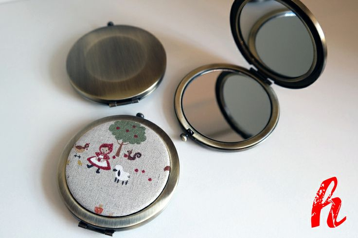 """Taschenspiegel """"Rotkäppchen"""" von HABSELIGKEITEN auf DaWanda.com"""